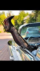 well done bootblack (high heels)