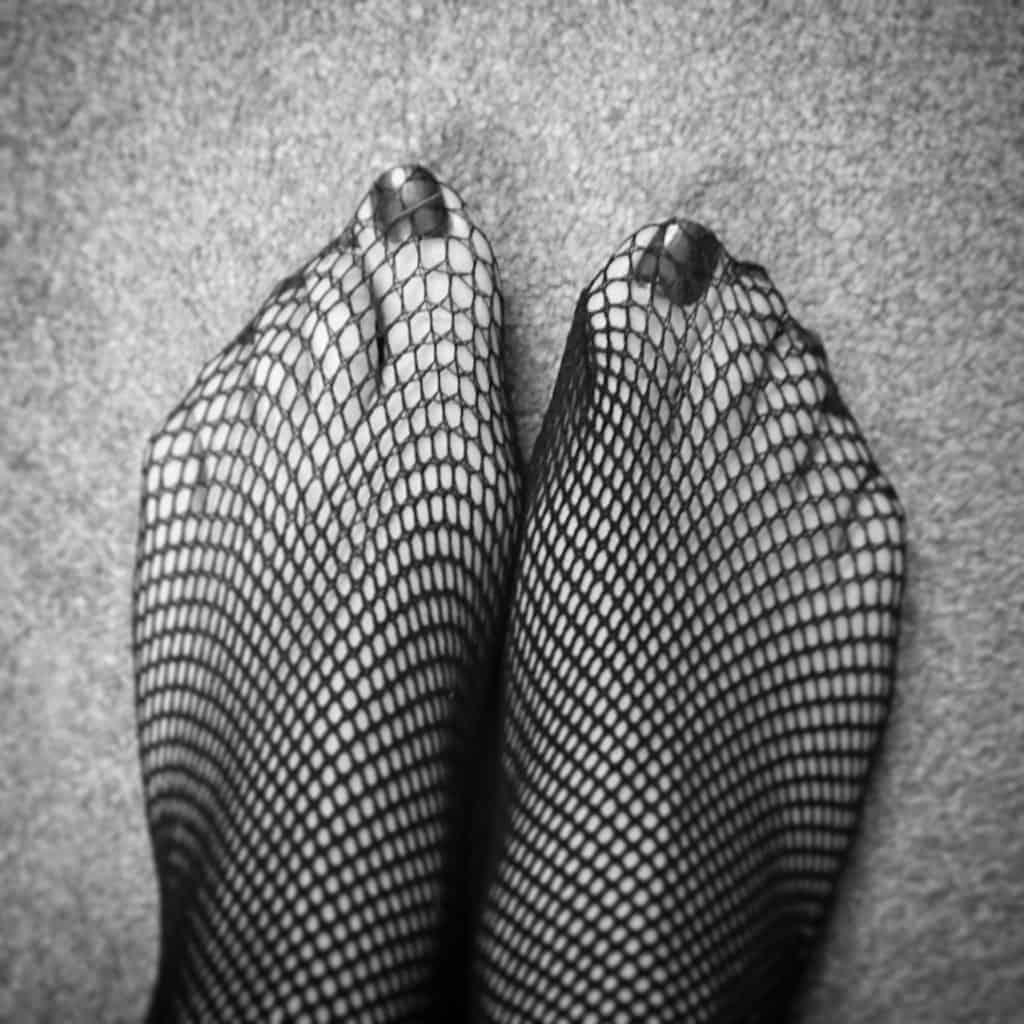 feet in fishnet